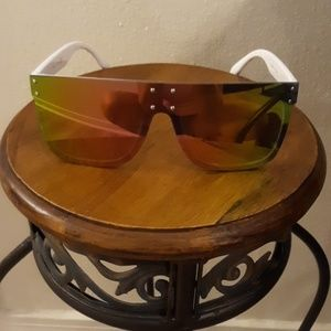 Accessories - Womens white sunglasses w/ pink/green lens